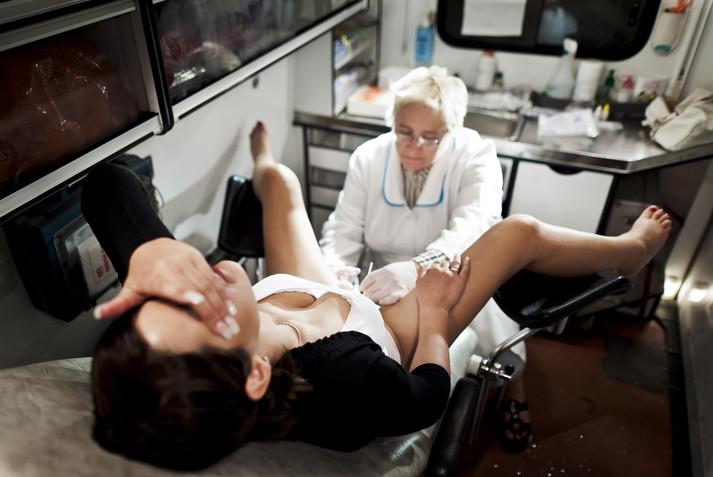 Секс с медичкой смотреть ошибаетесь